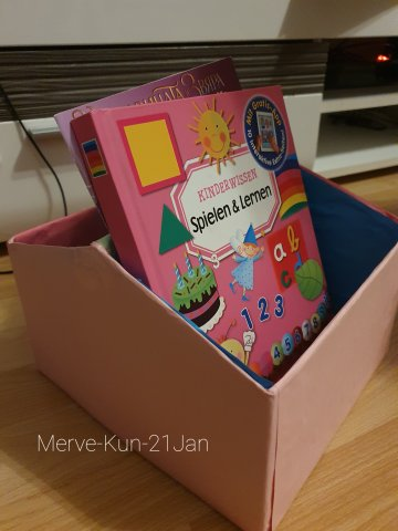 Book_Box_made_of_old_shoe_box